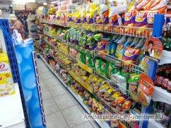 Фотогалерея Ambassador City Jomtien Ocean Wing: ассортимент магазина Минимарт на первом этаже