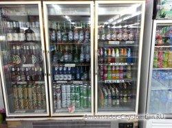 Фотогалерея Ambassador City Jomtien Ocean Wing: витрина с напитками магазина Минимарт на первом этаже