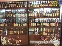 Фотогалерея Ambassador City Jomtien Ocean Wing: ассортимент алкогольных напитков в магазине Минимарт корпуса Океан Винг