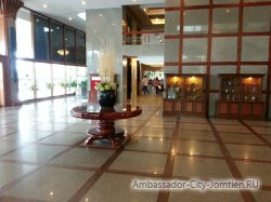 Фотогалерея Ambassador City Marina Tower Wing 3*: вид в холле - 4
