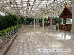 Фотогалерея Ambassador City Marina Tower Wing 3*: переход к корпусу Ambassador