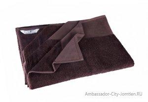 Полотенца в номере и пляжные полотенца в Ambassador City