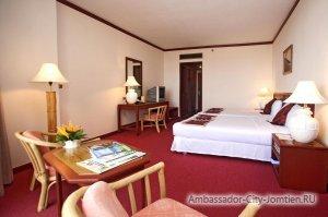 Горничные и уборка в номерах отеля Ambassador City Ocean Wing