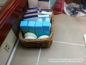 Шампунь, лосьон, мыло и другие ванные принадлежности в номерах отеля Ambassador City Jomtien
