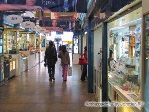 Чистая зона в аэропорту: кафе, рестораны, магазины Duty Free