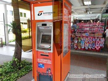 Банкомат оранжевого цвета - самый выгодный для туристов банкомат в Тайланде