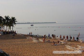 Пляж Джомтьен в районе отеля Ambassador City