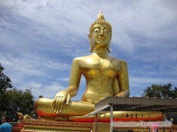 Статуя Большого Будды в Паттайе