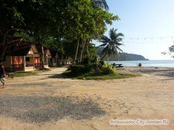 Экскурсия на Ко Чанг: пляж возле отеля