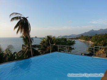 Бассейн в отеле на острове Ко Чанг