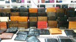 Leather World: кошельков очень много!