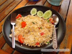 "Тайская кухня: блюдо ""Као пад"""
