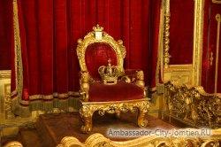 Трон нового Короля Таиланда