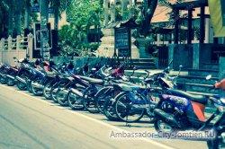 С нарушителями парковки в Таиланде будут бороться местные жители