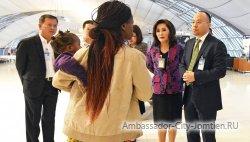Семья из Зимбабве уже 3 месяца проживает в аэропорту Суварнабхуми, что в Бангкоке