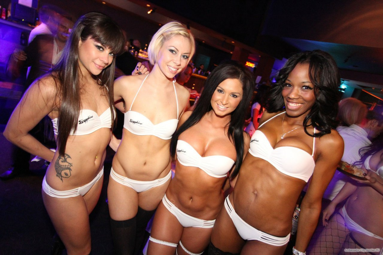 Секси телки в клубах, Порно с пьяными девушками и секс на порно вечеринках 4 фотография